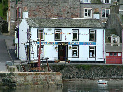 Isle of Bute, Russian Tavern